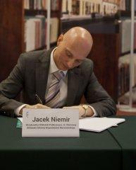 Podpisanie-umowy-z-generalnym-wykonwac-06.jpg
